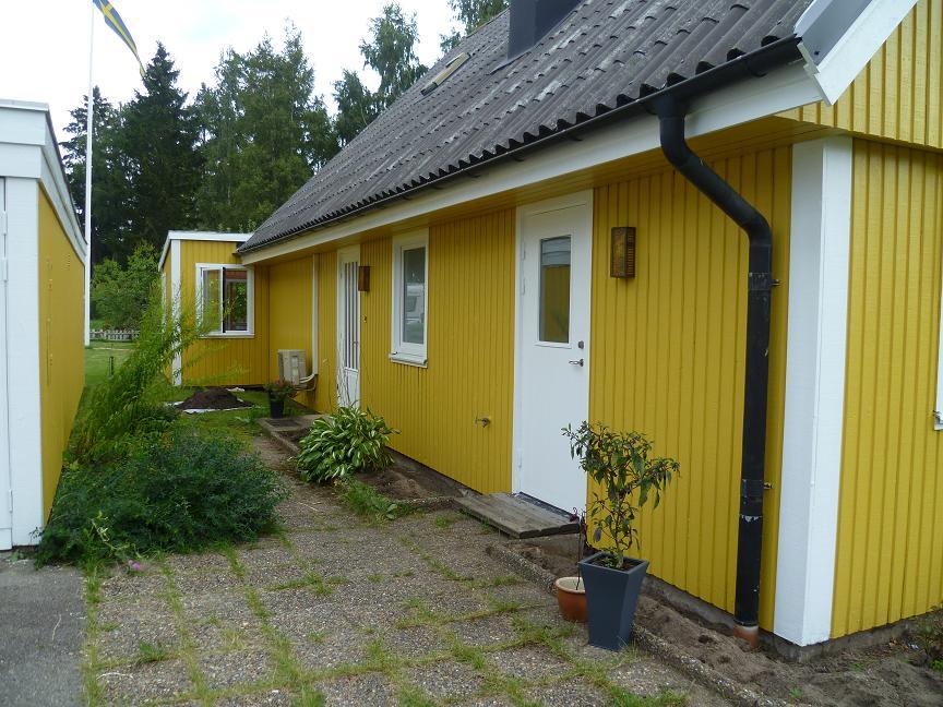 ... Bild efter  Fasad och fönstermålning vid sidan av Habo i Jönköping ... 8c0c3eb59bdf4