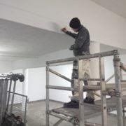 Bild 4 under projektets gång målning av garage för bostadsrättsförening i Huskvarna