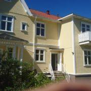 Bild efter målning av flerfamiljshus