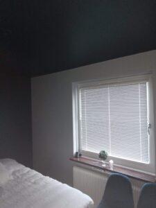 Målning av sovrum, bild efter